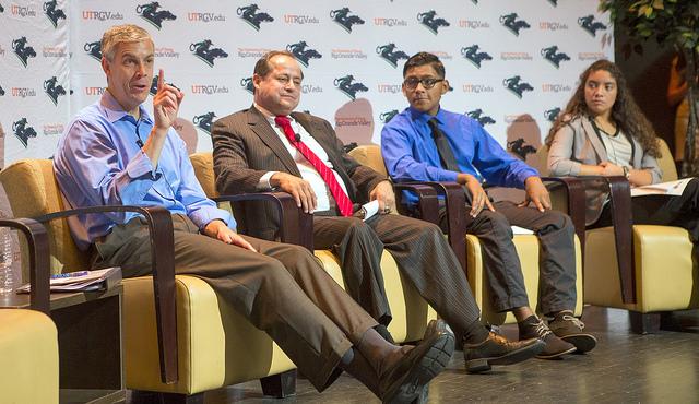 PHOTO 2 - HESTEC 2015 Panel Discussion, US Sec of Ed Arne Duncan_1444223610007.jpg