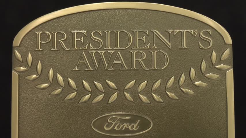 Ford Dealership Receives Award_30240946-159532