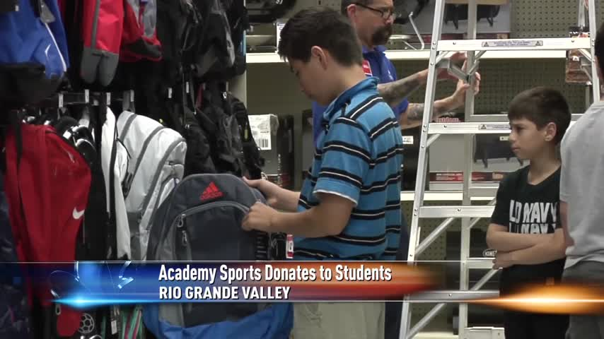 Academy Sports Donates to Students_42480303-159532