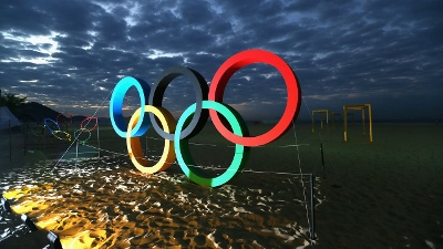Olympic-Rings-on-Rio-s-Copacaba-beach-jpg_20160806210507-159532