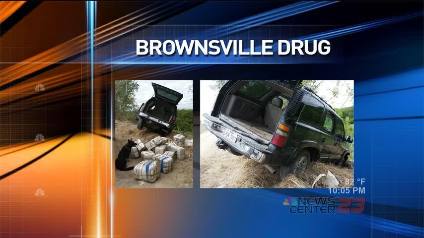 Drug Smuggler Crashes into Riverbank_32632904-159532