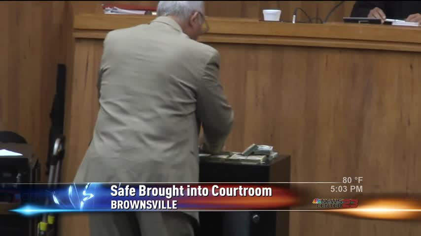 Safe Brought Into Courtroom_90397377