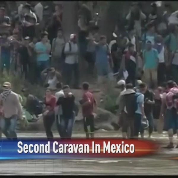 Second_Caravan_Making_Its_Way_0_20181031032922