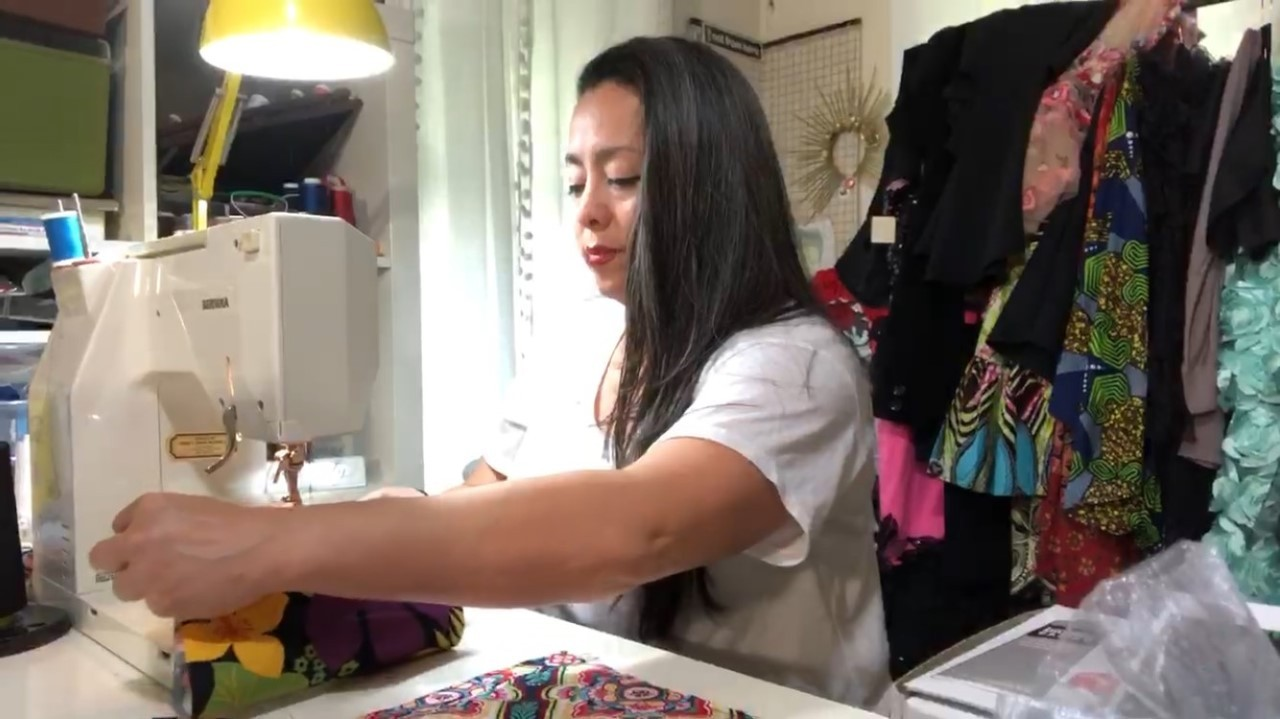 Local Fashion Designer Making Masks To Help With Healthcare Needs Kveo Tv