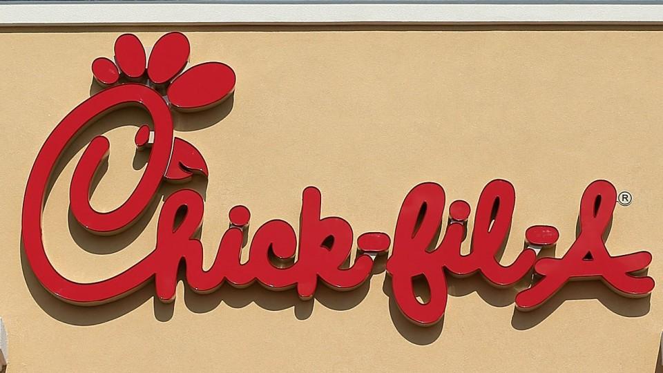 Chick-fil-A20restaurant20sign_14429910_ver1.0.jpg