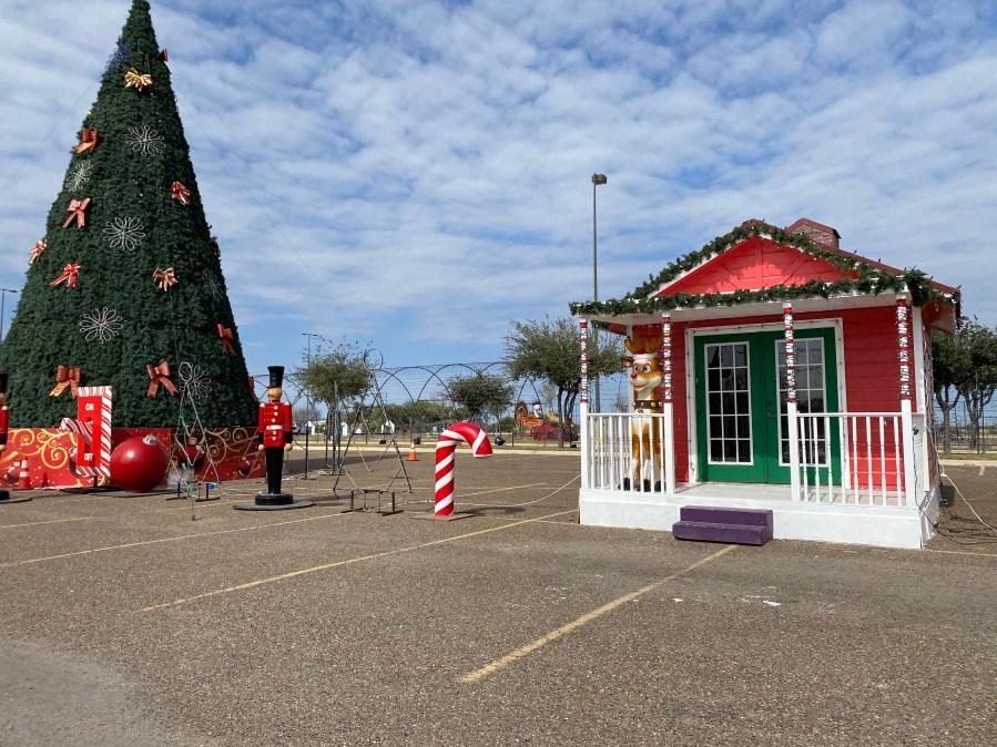 Hidalgo Christmas Lights 2021 Hidalgo Festival Of Lights Relocates To Payne Arena As Drive Through Trail Kveo Tv